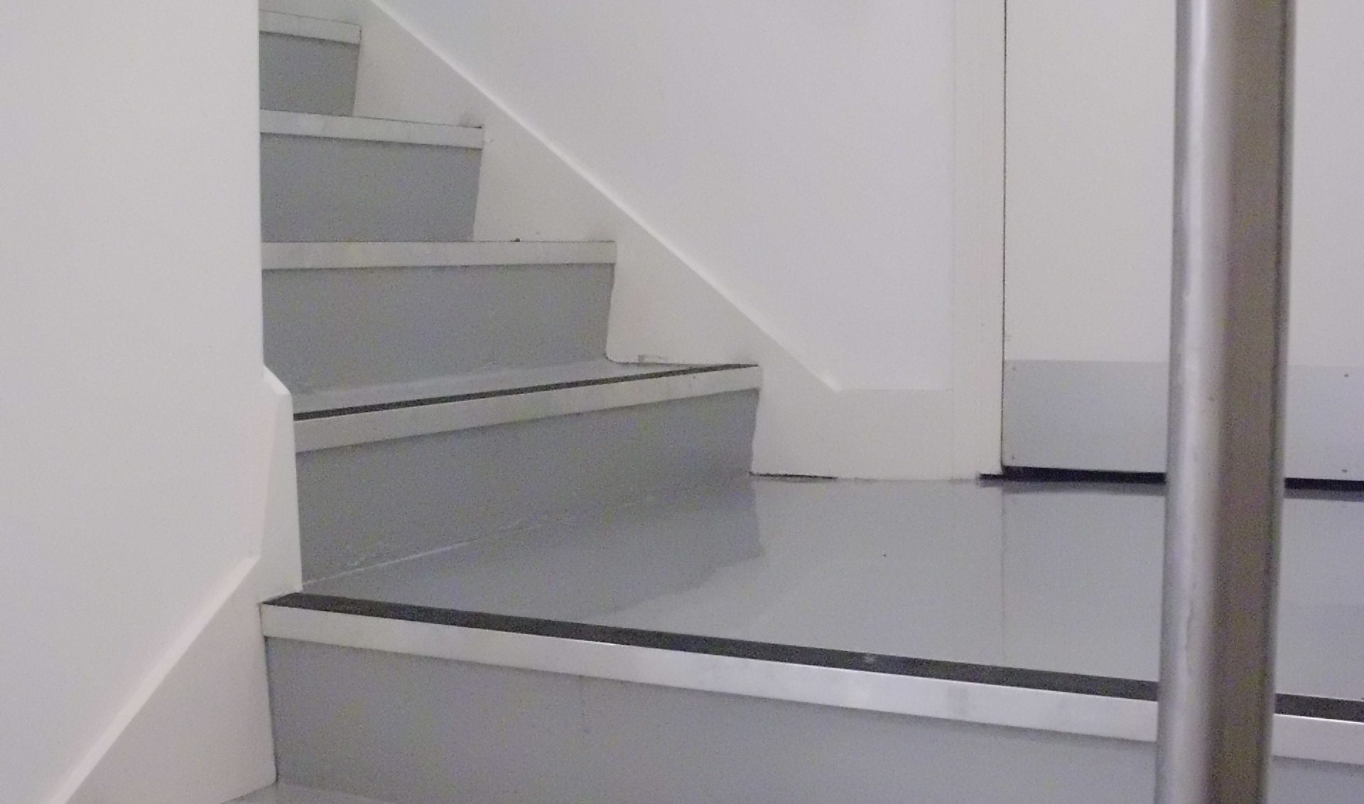Anti Slip Stairs Impact Flooring